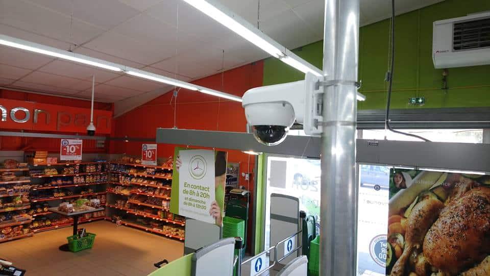 Caméra Vidéosurveillance des caisses à Carrefour Contact 17530 Arvert
